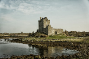 dunguaire castle in kinvara,  county galway,  ireland, города, замок дангвайр , ирландия, dunguaire, castle, in, kinvara, county, galway, ireland