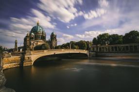 Berliner Dom, Spree, awesome sky
