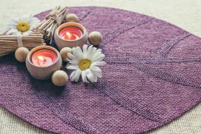 свечи, коврик, цветы