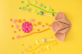 фон, леденцы, вафельный рожок, сладости