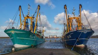 корабли, траулеры,  сейнеры,  плавбазы, рыболовы