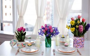 праздничные, пасха, стол, сервировка, гиацинты, тюльпаны, ирисы, букеты
