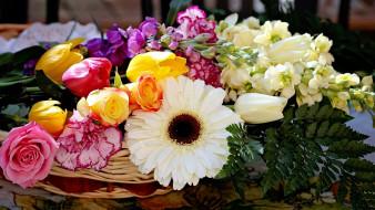 тюльпаны, розы, гвоздика, гербера