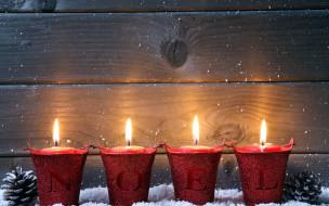 шишки, свечи, огоньки, надпись