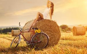 девушка, велосипед, солома, цветы