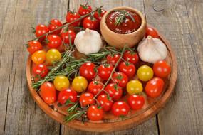 томаты, соус, чеснок