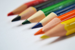 карандаши, цветные