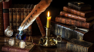 фолианты, книги, свеча, очки