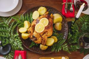 бокалы, вино, запеченная курица, картофель, праздник