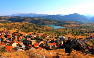 городок, горы, мечеть, озеро
