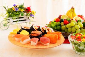 роллы, суши, фрукты