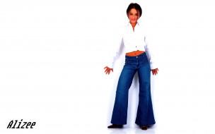 музыка, alizee, джинсы, улыбка, рубашка, брюнетка, певица