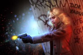 блондинка, пистолет, art, убийца, Lorraine Broughton, Charlize Theron, Atomic Blonde