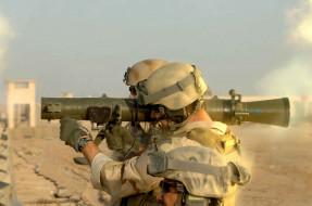 обои для рабочего стола 2400x1594 оружие, армия, спецназ, гранатомет, морпехи, шлем