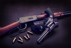 патроны, ружьё, револьвер