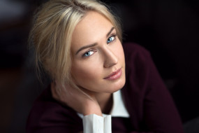 Eva Mikulski, МОДЕЛЬ, ДЕВУШКА