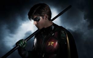 Robin, Brenton Thwaites, Titans