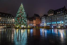 праздник, зима, Франция, дома, площадь, гирлянда, Новый год, ночь, Страсбург, украшение, елка