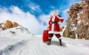 праздничные, дед мороз,  санта клаус, снежинки, новый, год, фотошоп, красный, облака, шуба, небо, пейзаж, сапоги, рождество, шапка, стоит, камни, дед, мороз, штаны, борода, праздник, зима, ремень, природа, снег, чемодан, санта-клаус, на, дороге, очки, перчатки