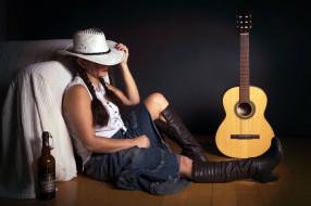 обои для рабочего стола 2048x1365 музыка, -другое, бутылка, гитара, девушка