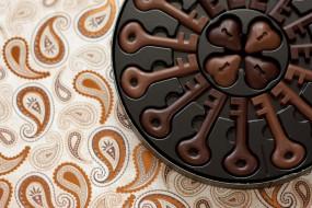конфеты, ключи, шоколад