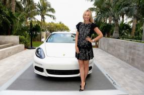 Мария Шарапова, пальмы, каблуки, белая, двор, улыбка, спортсменка, платье, теннисистка, машина, блондинка