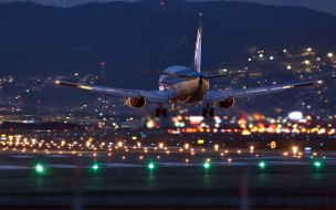 авиация, пассажирские самолёты, аэродром, аэропорт, вечер, самолет, огни, посадка