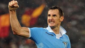 спорт, футбол, miroslav, klose, спортсмен, lazio, дождь, жест