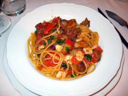 помидоры, спагетти, креветки