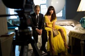 книга, камера, свет, актриса, платье, кровать, парень, тумбочка, Jessica Alba, окна
