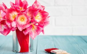 цветы, тюльпаны, розовые, кисть, краска, банка, букет, стол