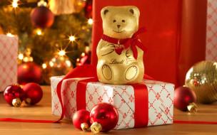 подарок, игрушки, шарики, коробка, мишка