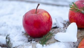 зима, сердечки, снег, яблоки