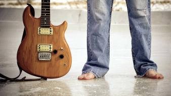 музыка, -музыкальные инструменты, джинсы, мужчина, гитара
