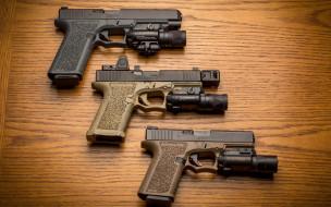 пистолеты, фон, три