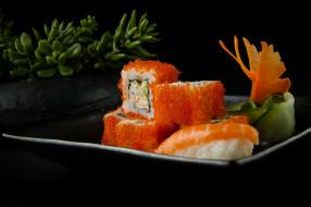 роллы, Суши, икра, морепродукты