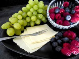 еда, фрукты,  ягоды, малина, виноград, сыр, черника