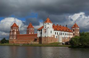 мирский замок, города, - дворцы,  замки,  крепости, дворец, пруд, белоруссия, замок, мирский