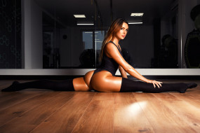 legs, зал, monokinis, ura pechen, шпагат, model, фитнес, спорт, flexible, brunette, ольга белова, tanned stockings