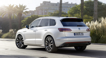 Volkswagen, Touareg, R-Line, 2019, белый