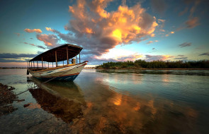 река, закат, лодка