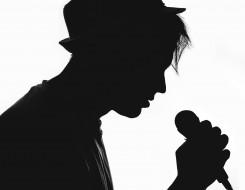 силуэт, микрофон, шляпа