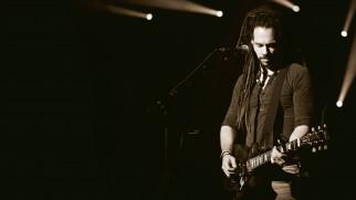 мужчина, гитара