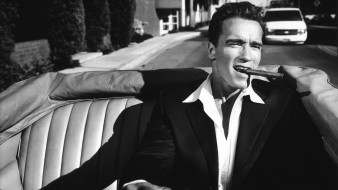 shadow, suits, monochrome, сabrio, черно-белое, cigars, arnold schwarzenegger, vintage, car, актер, driving, культурист, политик