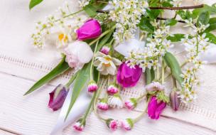 tulips, тюльпаны, pink, wood, colorful, весна, бутоны, букет, spring, flowers, цветы