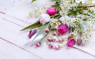 flowers, цветы, spring, лента, букет, pink, wood, colorful, весна, бутоны