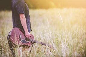 человек, гитара