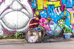барабан, парень, граффити