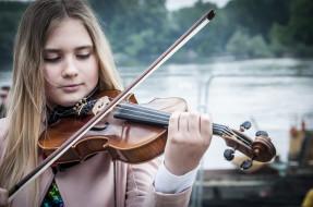 девушка, скрипка