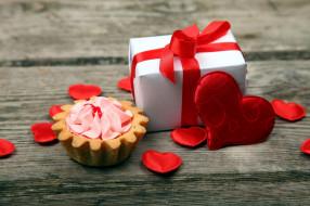 капкейк, подарок, сердце